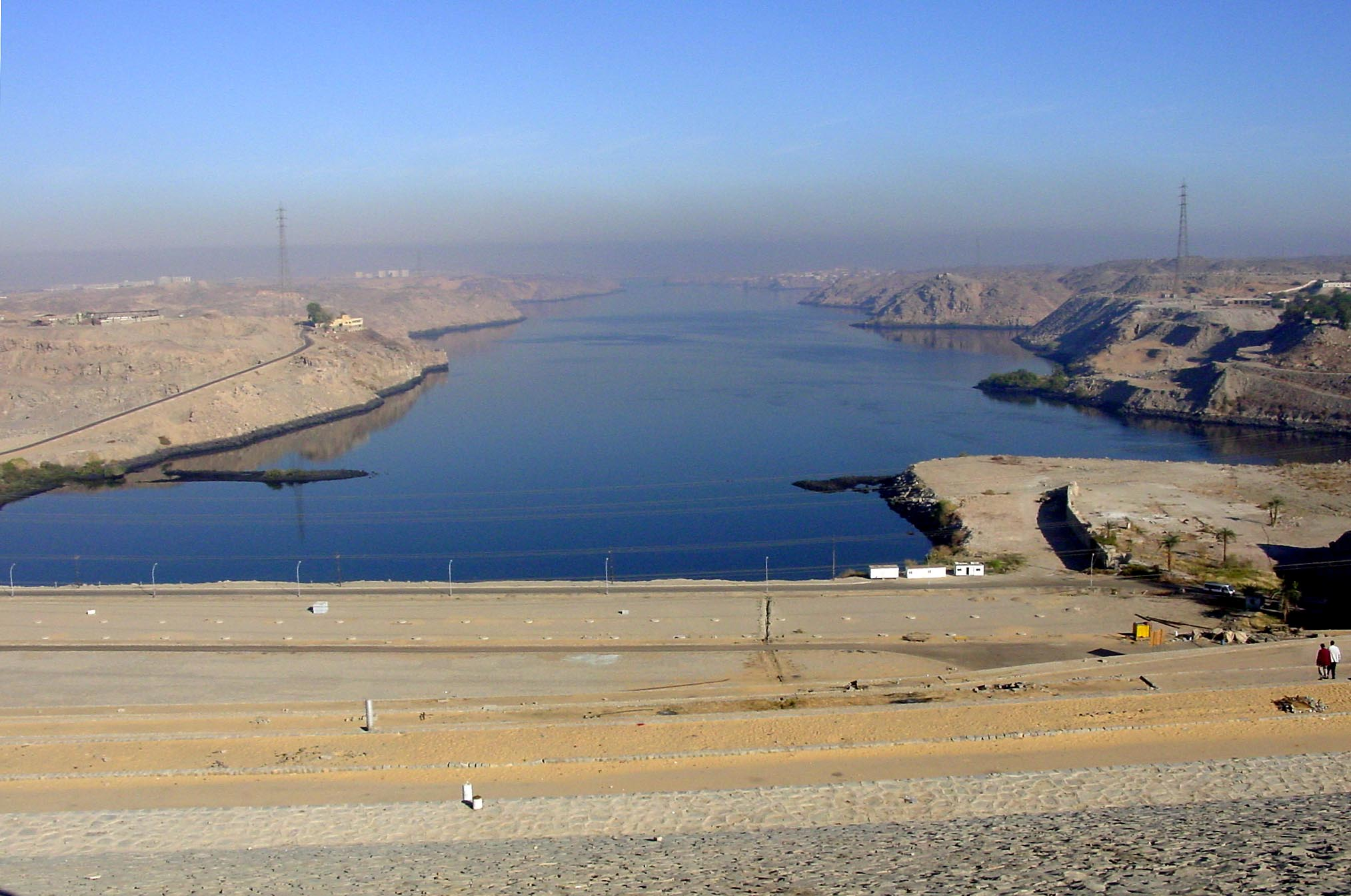 aswan dam by murphy Euhydrophyte communities of the river nile and its 1980-86 suggested that the aswan high dam forms a man-made high dam turbines (springuel, ali & murphy.